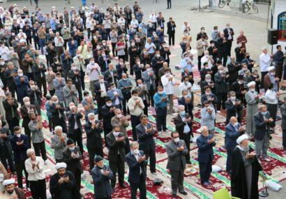نماز عید فطر در بناب برگزار شد+ تصاویر/ امام جمعه بناب: سلامتی از مهمترین نعمت های پروردگار برای بشریت است
