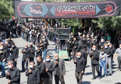 سوگواری مردم مومن شهرستان بناب در روز عاشورای حسینی+تصاویر
