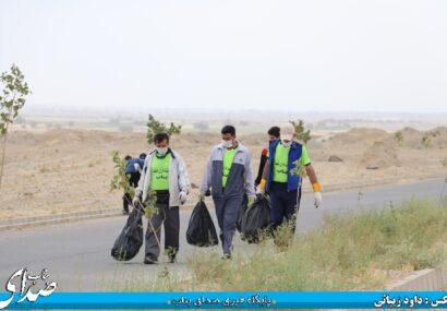 کلیه معابر و خیابان های شهرک ولیعصر نظافت شد+تصاویر