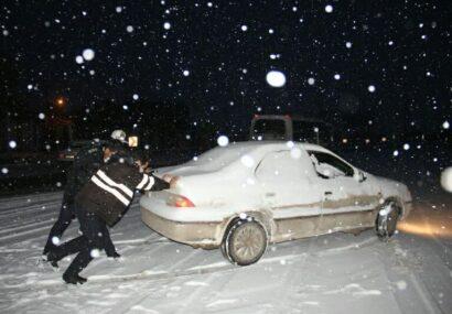  بارش برف و باران در محورهاي مواصلا تي بناب / رانندگان با تجهيزات ايمني و زمستاني تردد كنند