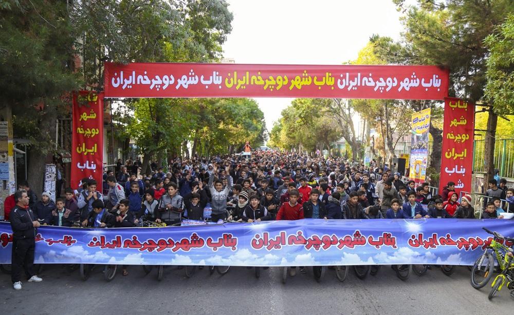 غفلت مسوولان آذربایجانشرقی یا پیشدستی شیرازیها/ شیراز عنوان«شهر دوچرخه» ایران را از دست بناب ربود!