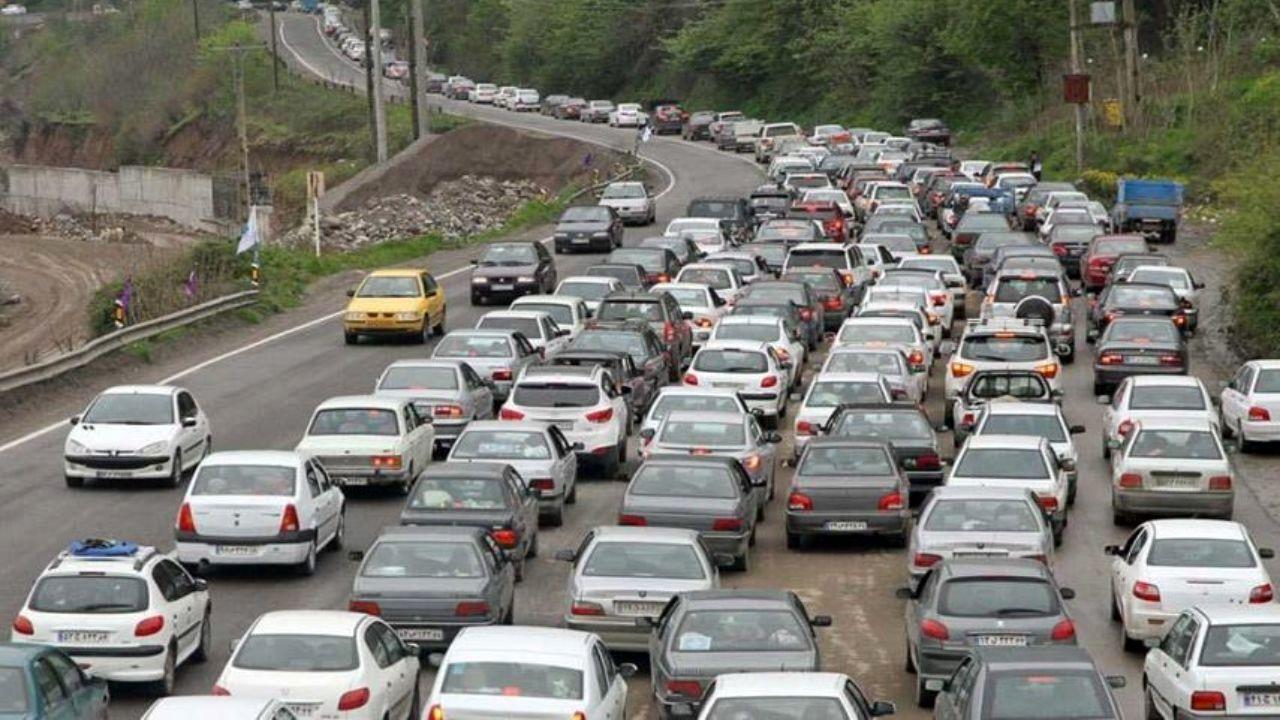 آخر هفته و ترافیک ظاهرا بی علاج جاده کرج-چالوس/ کرونا همسفر شماست، احتیاط کنید