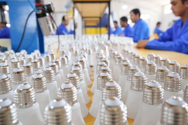 تولید لامپ های کم مصرف توسط یک شرکت دانش بنیان در شهرستان بناب