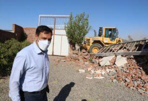 تخریب ۳۰ مورد بنای غیر مجاز در اراضی کشاورزی شهرستان بناب / رئیس جهاد کشاورزی: هرگونه بنای غیر مجاز در اراضی کشاورزی تخریب خواهد شد /  امنیت غذایی مردم خط قرمز این نهاد می باشد+ تصاویر