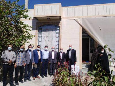 تجلیل از دو نفر از پرسنل اداره گاز بناب به مناسبت هفته دفاع مقدس/ از ۳ نفر از خانواده های ایثارگر بناب تجلیل شد