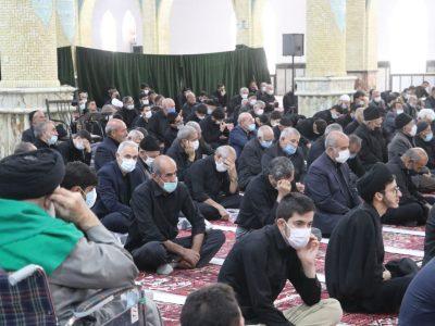 سوگواری و اشک ماتم مردم شهرستان بناب به یاد شهدای دشت کربلا در مصلی اعظم بناب برگزار شد+تصاویر